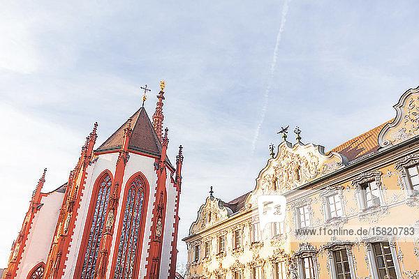 Deutschland  Bayern  Würzburg  Tiefblick auf Marienkapelle und Falkenhaus