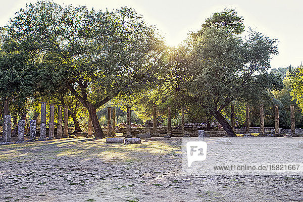 Griechenland  Olympia  Ruinen der antiken Palästra