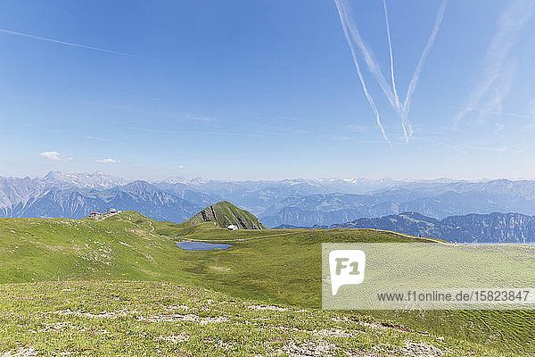 Schweiz  Kanton St. Gallen  Schweizer Alpen  Panoramablick auf die Berge