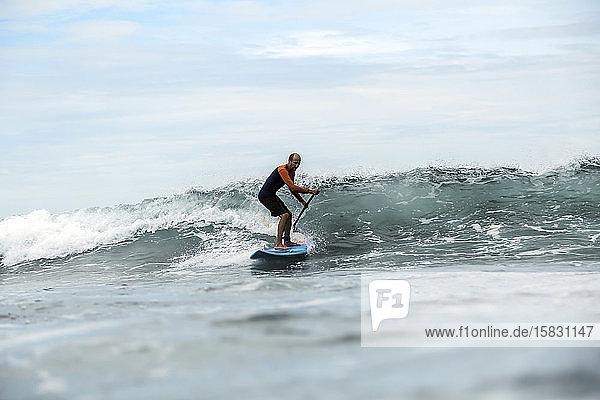 Super-Surfer