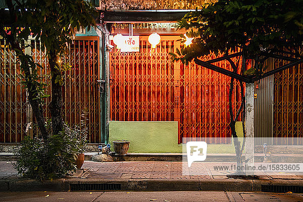 Geschlossener Laden im chinesischen Stadtgebiet von Bangkok
