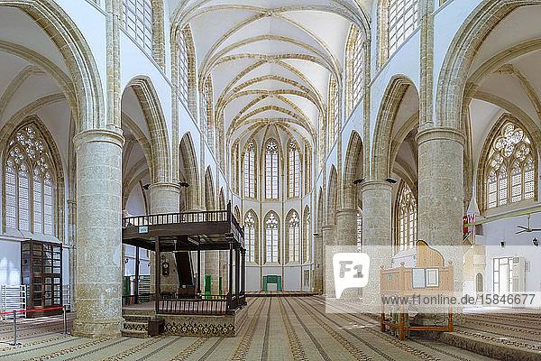 Inneres der Lala Mustafa Pascha-Moschee  Kathedrale des Heiligen Nikolaus