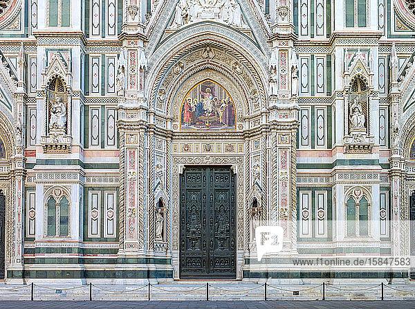 Fassade der Kathedrale von Florenz (Duomo di Firenze)  Florenz (Firenze)  Toskana  Italien