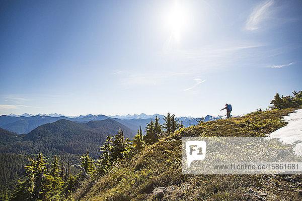 Wanderer auf dem Bald Mountain  Washington  USA