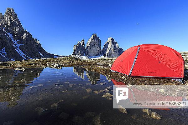 Hikers tent in front of the Three Peaks of Lavaredo  Sesto  Dolomites  Trentino-Alto Adige  Italy  Europe