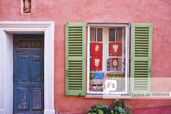Red house  St. Tropez  Var  Provence  Cote d'Azur  French Riviera  France  Mediterranean  Europe