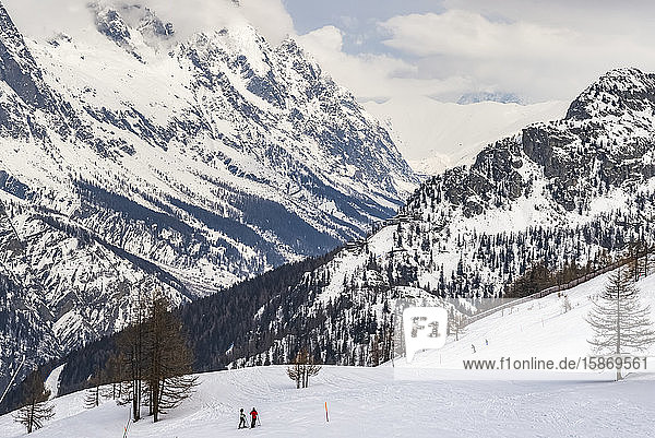 Skiing in the Aosta Valley  Italian side of Mont Blanc; Courmayeur  Valle d'Aosta  italy