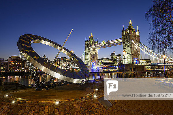 The Timepiece Sundial and Tower Bridge at sunset  St. Katharine's and Wapping  London  England  United Kingdom  Europe