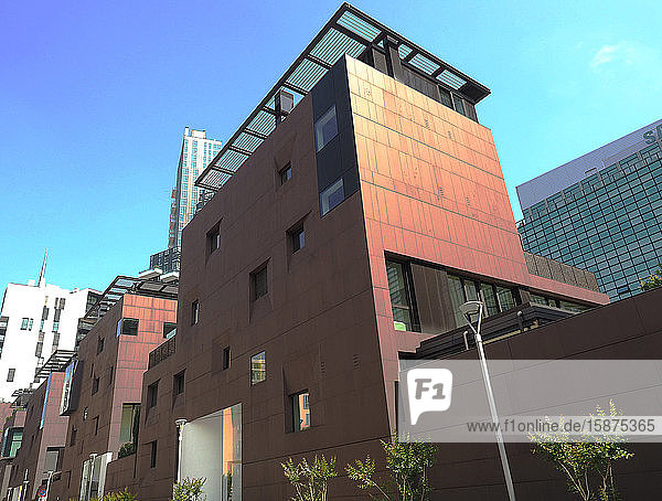 Italy  Lombardy  Milan  modern architetture   porta nuova discrtict  modern residential building