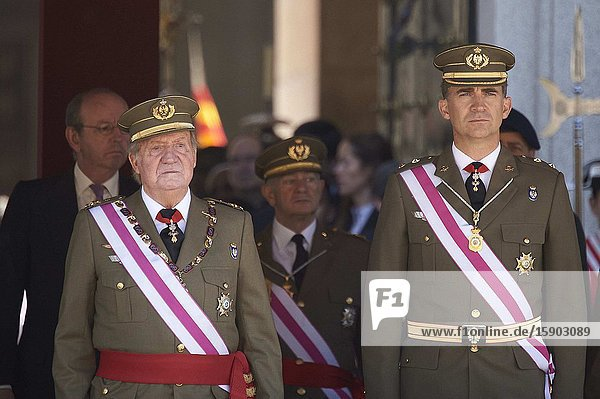 King Juan Carlos of Spain and Prince Felipe of Spain attend the Celebration of the Royal and Military Order of San Hermenegildo  to mark the bicentenary of the establishment of the Order at Real Monasterio de San Lorenzo de El Escorial on June 3  2014 in El Escorial  MadridKing Felipe VI has decided to renounce the inheritance of King Juan Carlos of Spain 'that could personally correspond to him ' announced this Sunday the Casa del Rey  in a statement in which he also advances that King Juan Carlos of Spain stops receiving the assignment he has fixed in the Budgets of the House of SM the king.