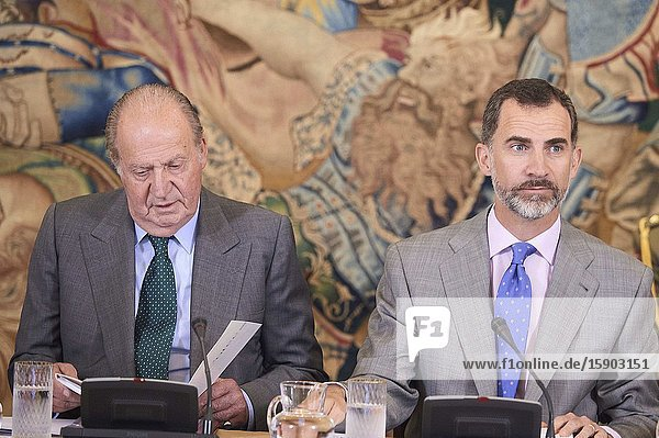 King Felipe VI of Spain and King Juan Carlos of Spain attend a meeting with the Board of Cotec Foundation at Palacio de la Zarzuela on June 22  2015 in MadridKing Felipe VI has decided to renounce the inheritance of King Juan Carlos of Spain 'that could personally correspond to him ' announced this Sunday the Casa del Rey  in a statement in which he also advances that King Juan Carlos of Spain stops receiving the assignment he has fixed in the Budgets of the House of SM the king.