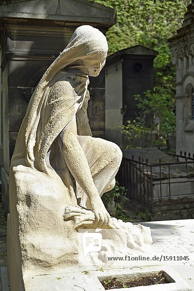 Statue adorning the tomb of Camille See  a French politician (1847-1919)  Montmartre Cemetery (French: Cimetiere de Montmartre)  18th arrondissement  Paris  Ile-de-France region  France  Europe.