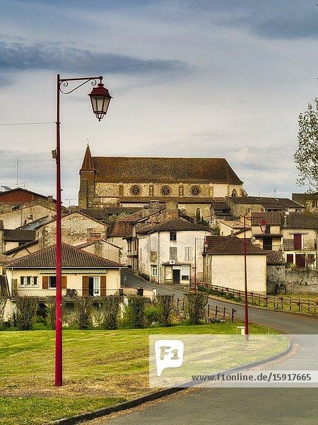 Lauzun with Saint Etienne Church  Lot-et-Garonne Department  Nouvelle Aquitaine  France.