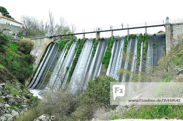 Presa Vieja (The Old dam) in the Reservoir of Valmenor  along the river Aulencia. The Middle Course of the River Guadarrama Regional Park. Valdemorillo town  Madrid province  Spain