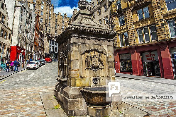 The West Bow Well  On the Corner of West Bow and Grassmarket  Victoria Street  Old Town  Edinburgh  Scotland  United Kingdom  Europe.