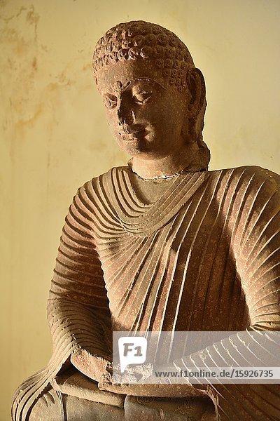 India  Madhya Pradesh  Sanchi  Archaeological Museum  Buddha statue (400-500 AD).