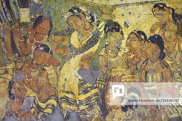India  Maharashtra  World Heritage Site  Ajanta  Cave 1 (6th C)  Mahajanaka Jataka tale. Court scene.