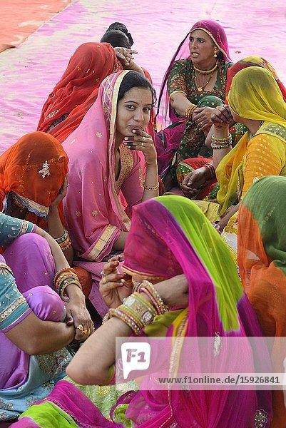 India  Rajasthan  Mukam  Jambeshwar festival  Bishnoi women.