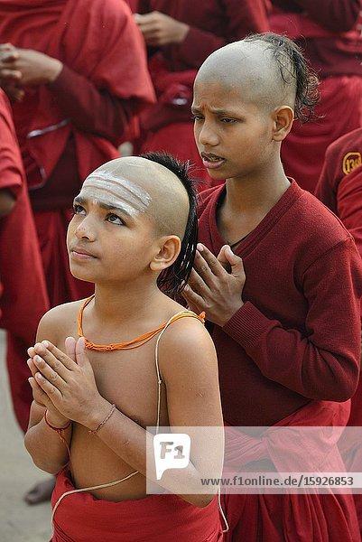 India  Uttar Pradesh  Varanasi  Karpatri ashram  Morning prayer.