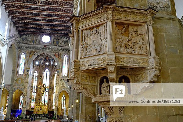 The pulpit in the basilica of Santa  Florence  Tuscany  Italy  Europe