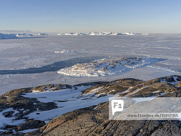 Winter at the Ilulissat Icefjord  located in the Disko Bay in West Greenland  the Icefjord is part of the UNESCO world heritage. America  North America  Greenland  Denmark.
