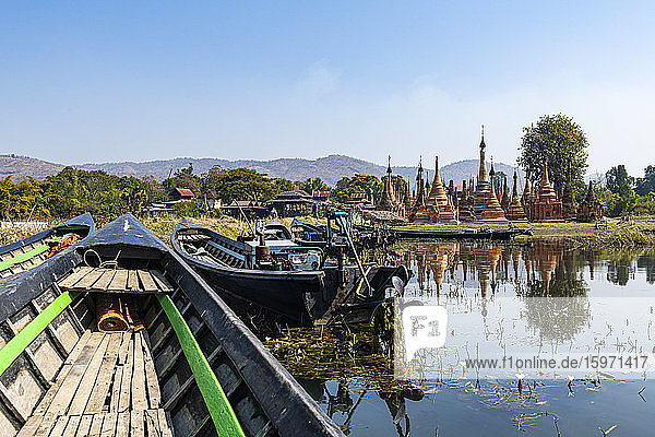 Taw Mwe Khaung Pagode  Samkar  Inle See  Shan-Staat  Myanmar (Burma)  Asien