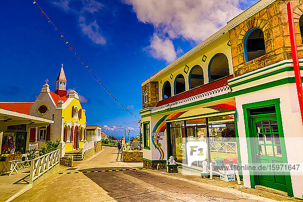 Schöne Dorfstraße auf der Insel Saba  Niederländische Antillen  Westindische Inseln  Karibik  Mittelamerika
