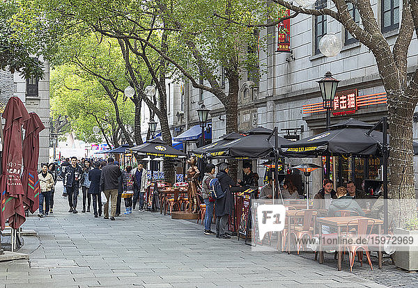 Restaurants und Cafés in Xintiandi  Shanghai  China  Asien