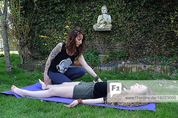 Yoga-Praxis  Meditation für Heranwachsende für ein besseres Leben in Gefangenschaft