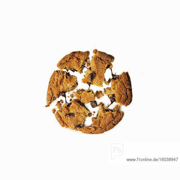 Chocolatechip Cookie  zerbrochen