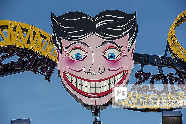 The Funny Face of Steeplechase Park; Coney Island  Brooklyn  New York  Vereinigte Staaten von Amerika