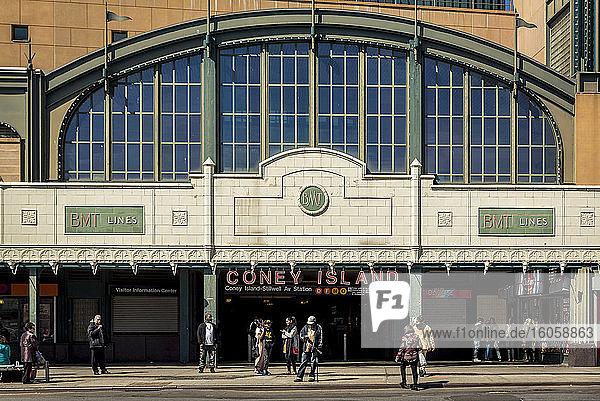U-Bahnstation Stillwell Avenue; Coney Island  Brooklyn  New York  Vereinigte Staaten von Amerika