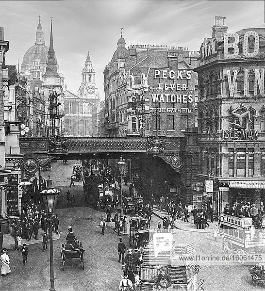 Ludgate Hill London  zu viktorianischen Zeiten mit vielen Menschen