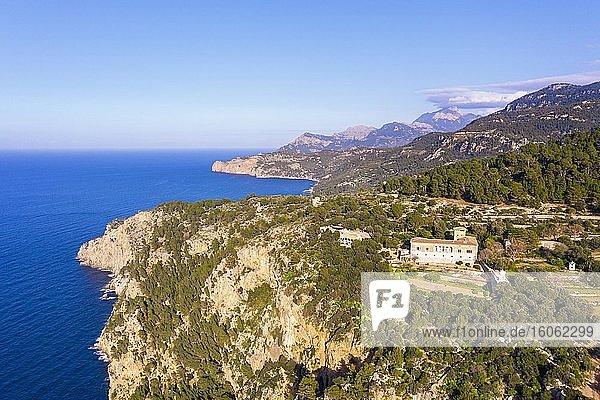 Herrenhaus Son Marroig  bei Deia  Serra de Tramuntana  Drohnenaufnahme  Mallorca  Balearen  Spanien  Europa