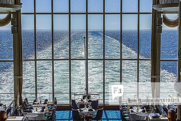 Oceanic Restaurant  Kreuzfahrtschiff MS Color Fantasy  Reederei Color Line  Oslo  Norwegen  Europa