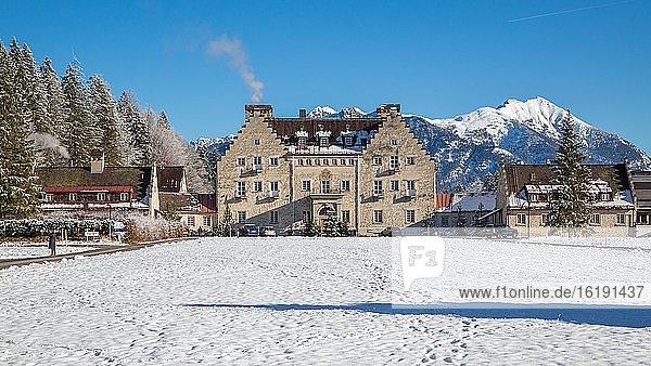 Luxus-Hotel Das Kranzbach im Winter  Bayerisches Oberland  Krün  Bayern  Deutschland  Europa