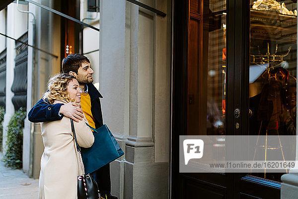 Schaufensterbummel für Paare  Firenze  Toskana  Italien