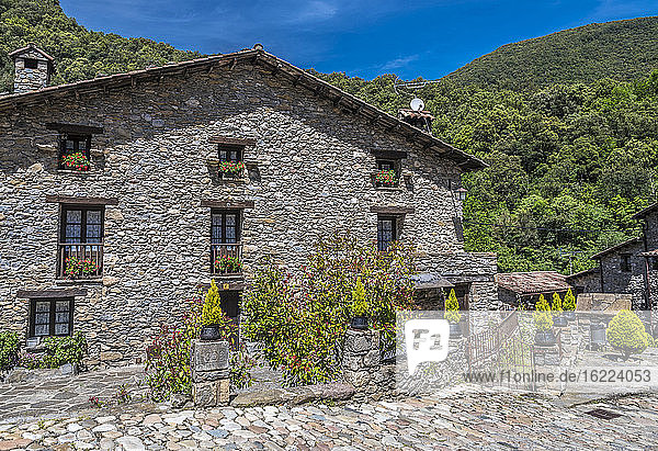 Spain  Catalonia  Pyrenees  province of Girona  mountain village of Beget