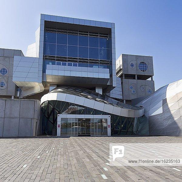 Konzerthaus und Musikhochschule Musikkens Hus  Haus der Musik am Musikkens Plads  Platz  Architekt Coop Himmelblau  moderne Architektur  Hafenfront  Aalborg  Ålborg  Jütland  Dänemark  Europa