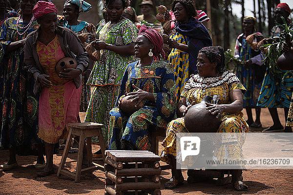 Sawa-Zwillingsritual in Kamerun  Afrika