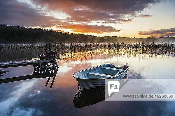 Rowing boat at lake