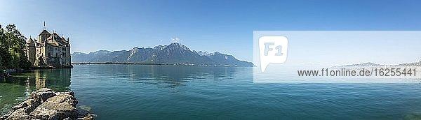 Schloss Chillon in Montreux am Genfer See  Kanton Waadt  Schweiz  Europa