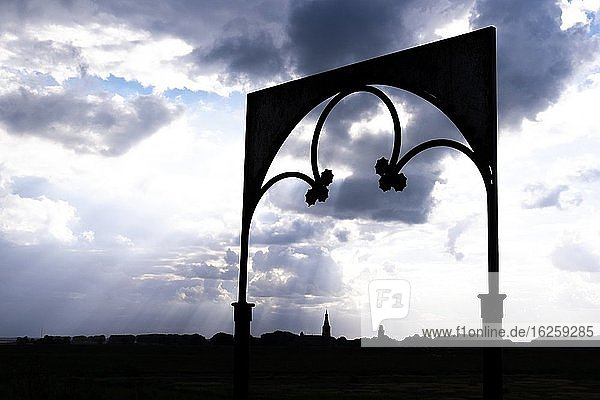 Silhouet of an entrance gate in East Flanders  Belgium  Europe.