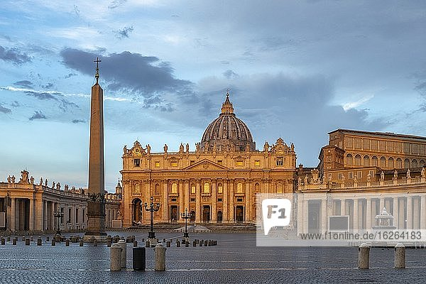 St. Peter's Square with St. Peter's Basilica  Rome  Lazio  Italy  Europe