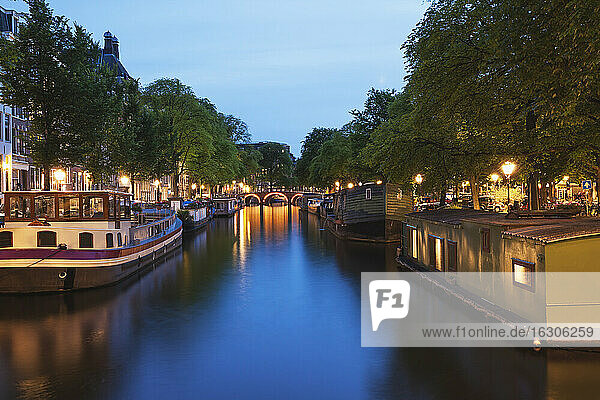 Netherlands  Holland  Amsterdam  Prinsen canal  Houseboats and ships