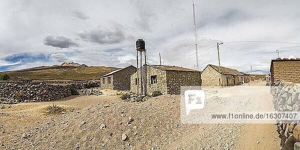 South America  Bolivia  Altiplano  Atacama  Salar de Uyuni  Tahar  Tunupa volcano