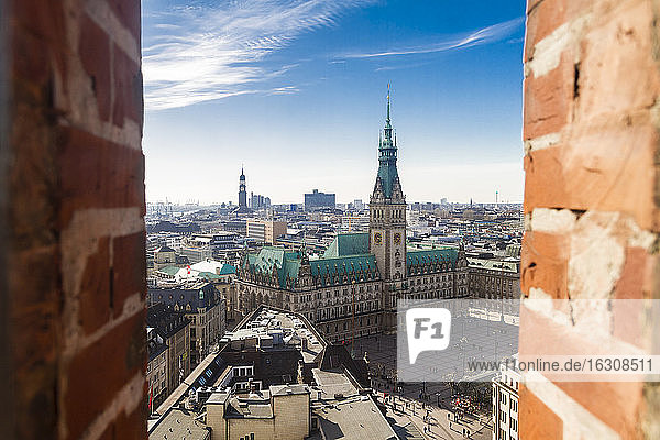Germany  Hamburg  Cityscape from St. Petri church with town hall
