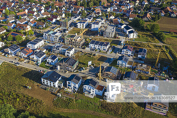 Germany  Baden-Wurttemberg  Waiblingen  Aerial view of modern suburb with energy efficient houses