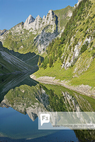 Switzerland  Appenzell  Alpstein  Faelensee with reflection of Hundstein
