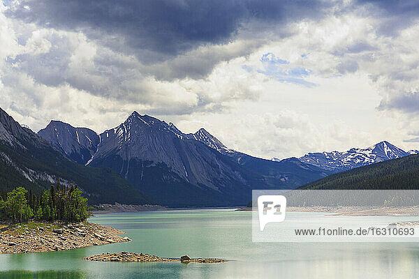 Canada  Alberta  Jasper National Park  Maligne Mountain  Maligne Lake  Medicine Lake